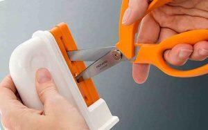 how do you sharpen scissors